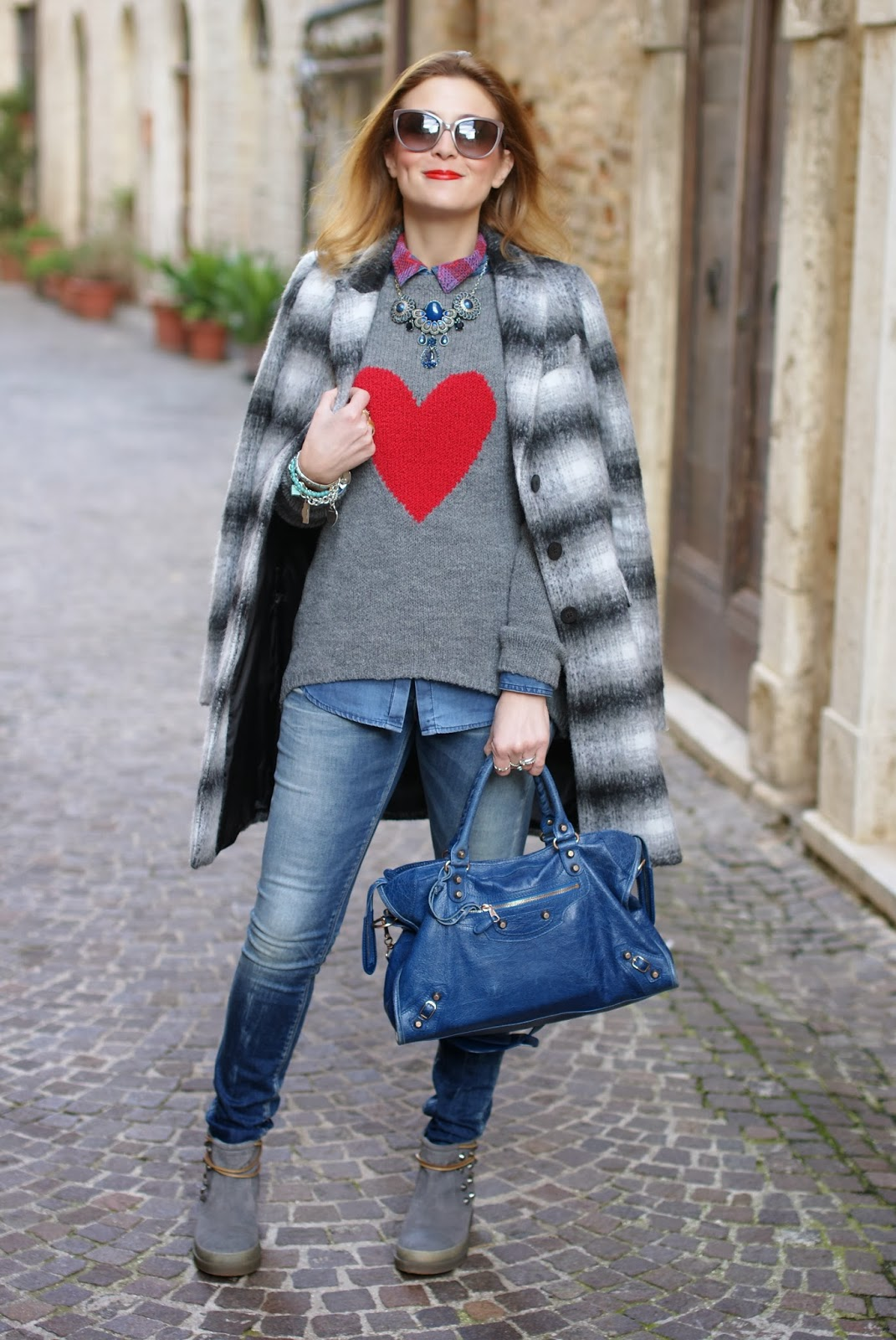 Zara checked coat, heart sweater, Ruco Line Ariel boots, Fashion and Cookies, fashion blogger