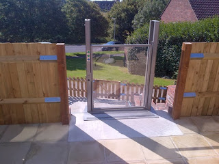 Step Lift Top Gate
