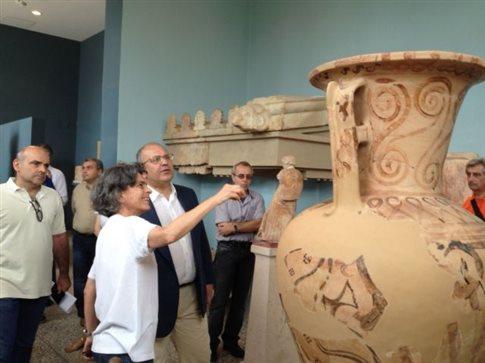 Συνεργασία ΥΠΠΟ-Δήμου Ελευσίνας για την πολιτιστική ανάπτυξη της πόλης
