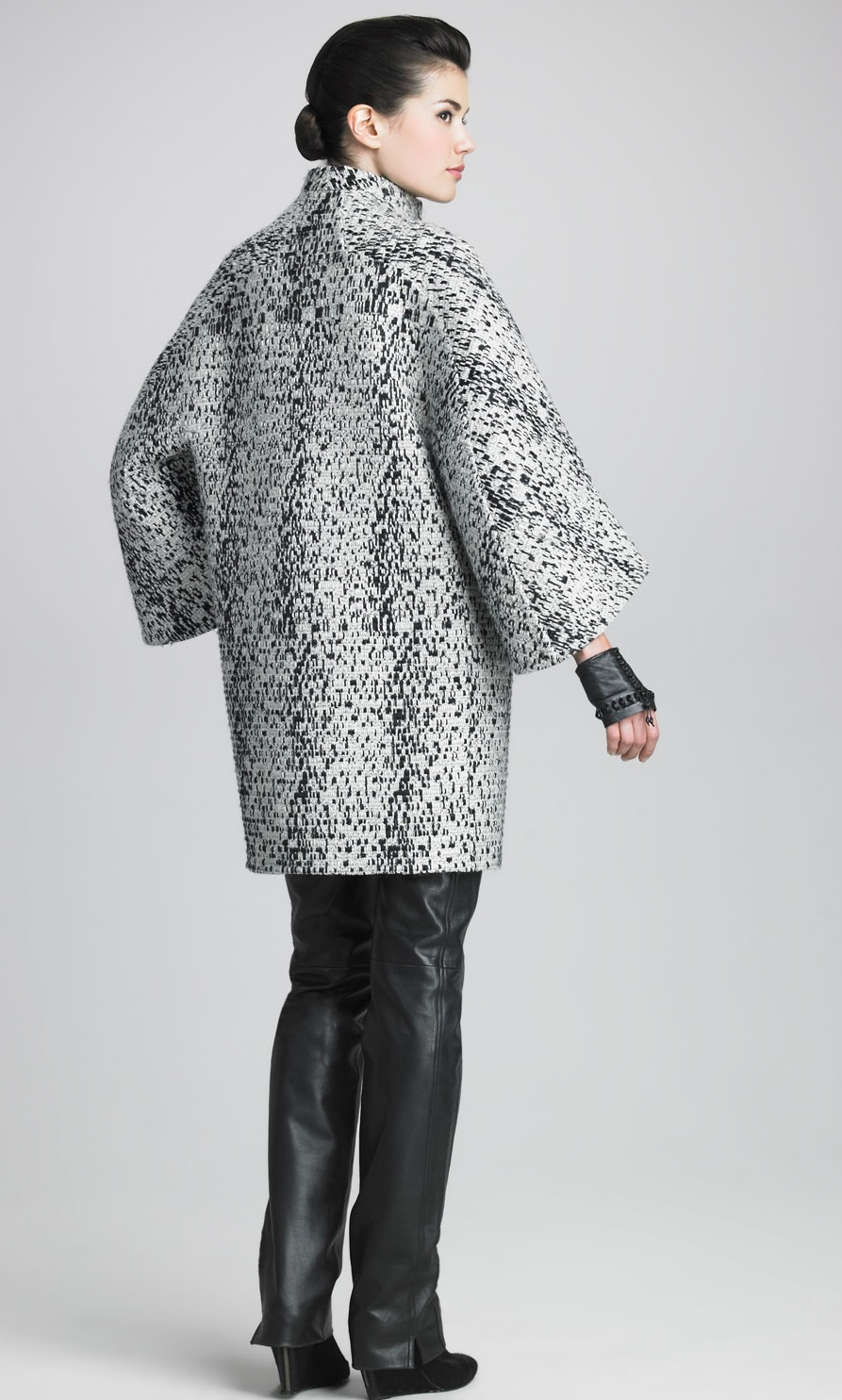 Patrón gratis: abrigo - capa de Chado Ralph Rucci | contra la crisis ...