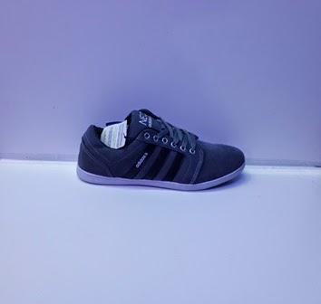 Sepatu Adidas NEO hitam