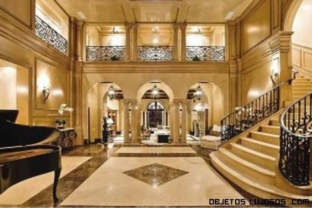 Finalizado la mansi n infernal for Escaleras de casas de lujo