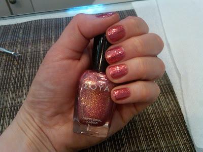 Zoya, Zoya Nail Polish, Zoya Gloria, Zoya Gloria Nail Polish, nail, nails, nail polish, polish, lacquer, nail lacquer, mani, manicure, mani of the week