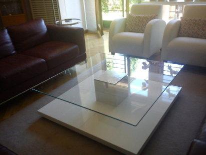 Bricolaje para transformar cuatro mesas lack en una mesa de diseño