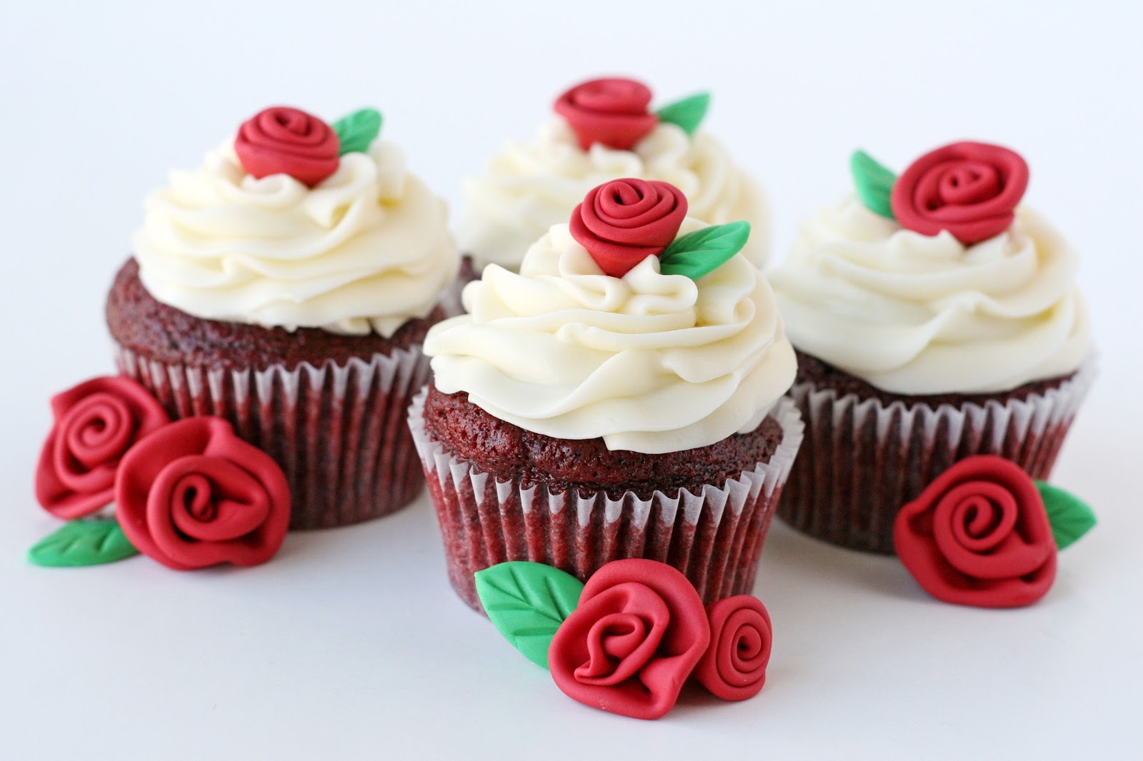 Glorious Treats: Red Velvet Cupcakes with Roses {Recipe}