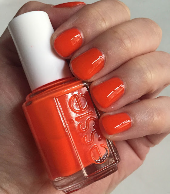 Essie, Essie Saturday Disco Fever, Essie 2013 Neons Collection, nails, nail polish, nail lacquer, nail varnish, manicure, #ManiMonday