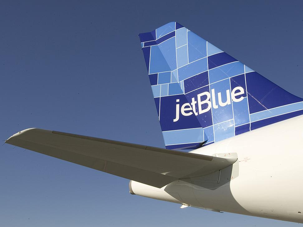 Piloto demanda a JetBlue por negligencia
