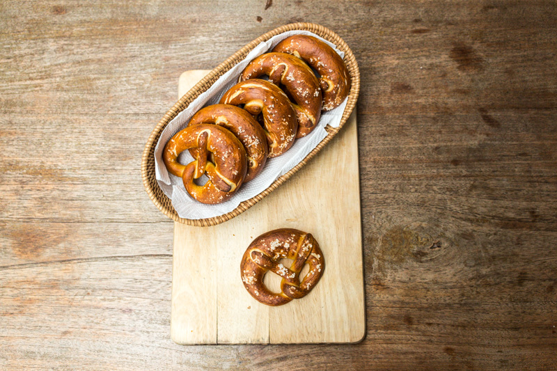 Soft pretzels with fleur de sel | Svelte Salivations