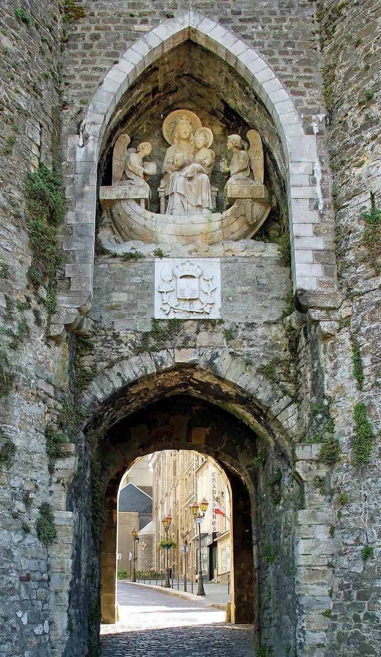 Notre Dame du Grand Retour, na Porte des Dunes, Boulogne-sur-Mer.