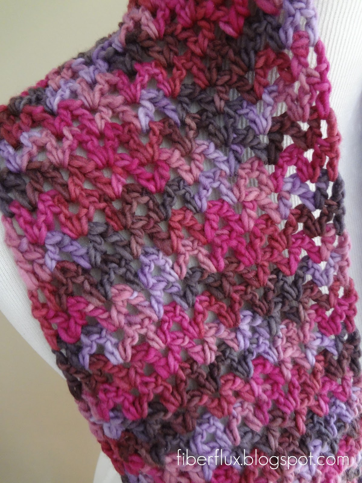 Fiber flux free crochet patternlato infinity scarf thursday january 31 2013 dt1010fo