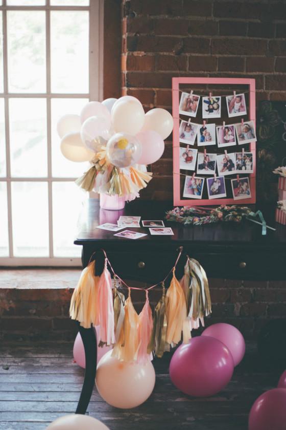 imagen_fiesta_cumpleaños_confeti_globos_casa_local_mesa_firmas_fotos_vida