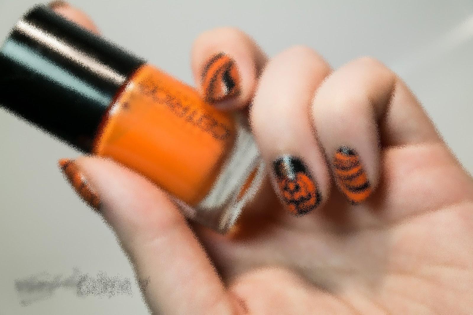 http://rainpow-nails.blogspot.com/2014/10/halloween-der-groe-kurbis.html