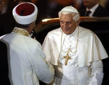 Paus Benediktus XVI masuk Islam, masjid biru turki