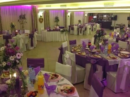 Restaurant compartimentat pentru petreceri