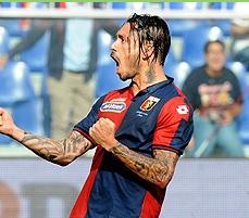 Pinilla vuelve a marcar en Italia y le da triunfo al Genoa ante Lazio