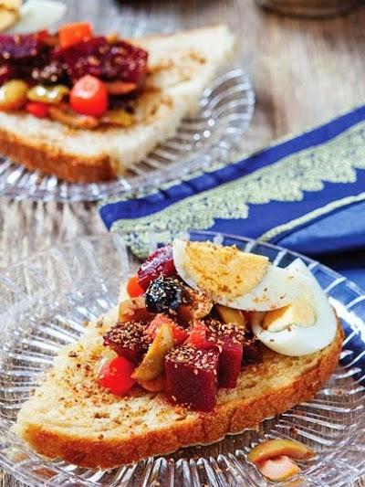 Ekmek salatası