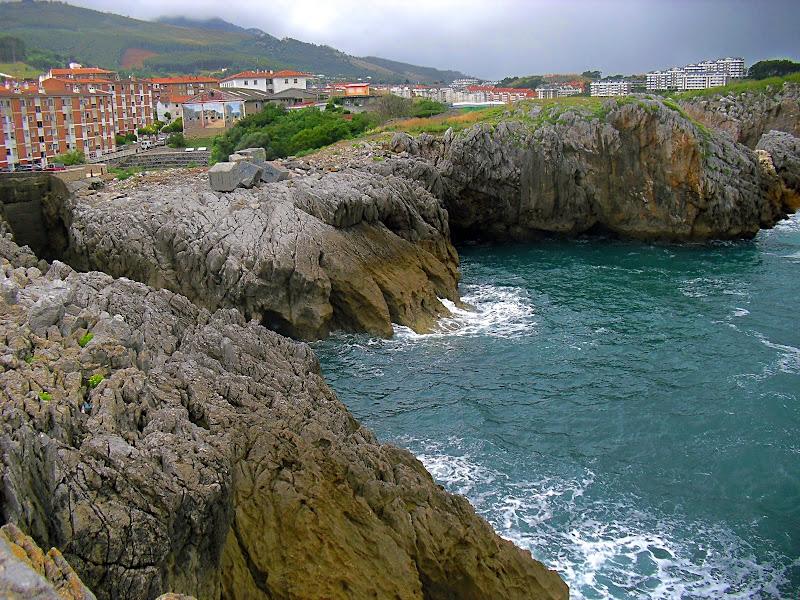Playa El Pedregal en Castro Urdiales