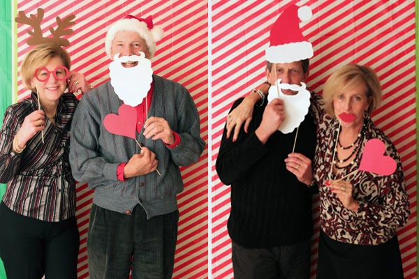 DIY home holiday photo booth