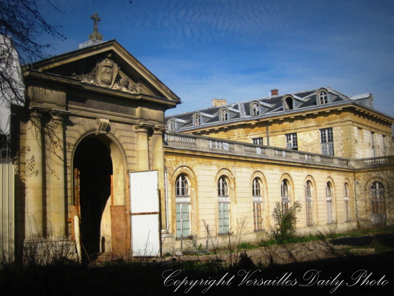 Hôpital Richaud decay Versailles 2011