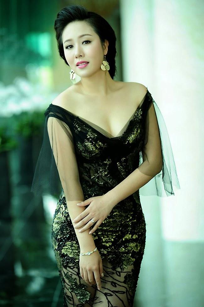 Những người đẹp Việt thành công khi làm MC