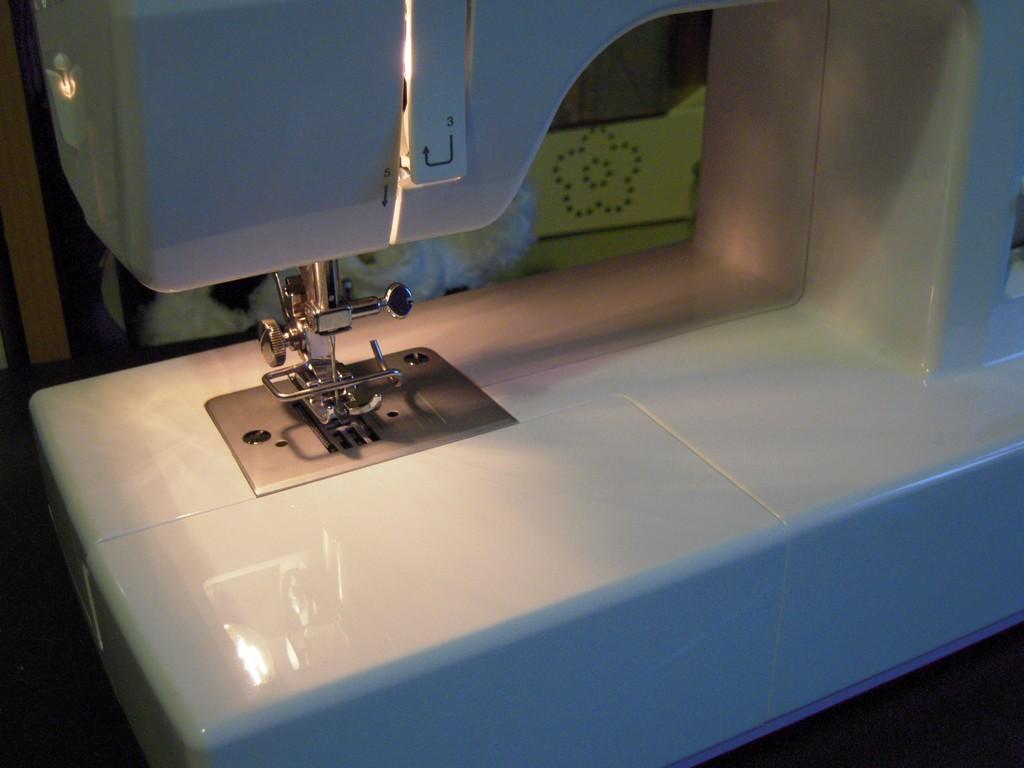Mamma claudia e le avventure del topastro venerd for Lidl offerte della settimana macchina da cucire