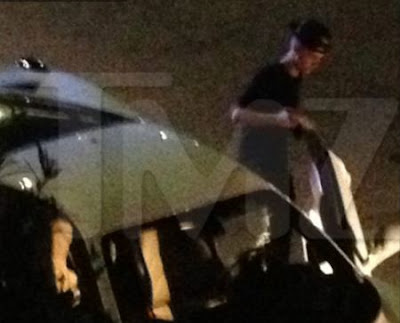 Justin Biener pulled over by cops - Photo