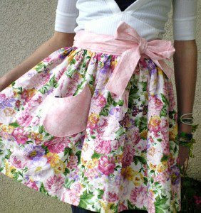 i live shabby chic summer projects that are useful for us gals rh iliveshabbychic blogspot com  shabby chic apron pattern