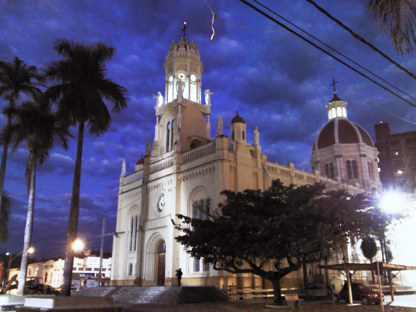 Orb na Catedral Matriz de Pinhal, SP - 13/07/2013