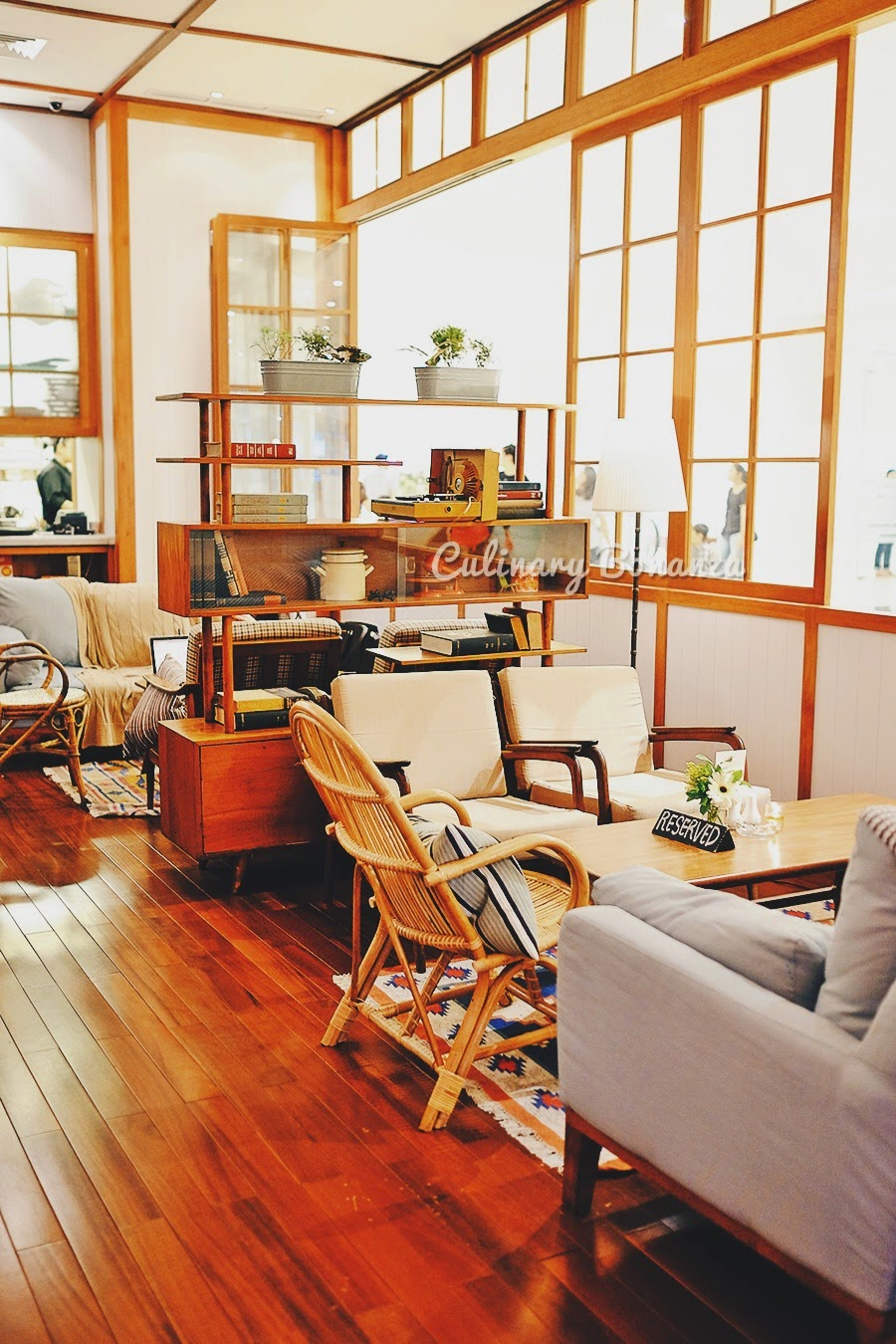Benedict Jakarta (source: www.culinarybonanza.com)