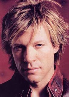 Bon Jovi mide 1,75 metros.