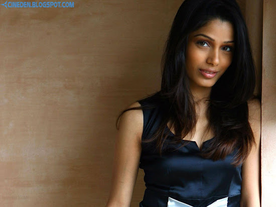 Freida Pinto takes to social networking