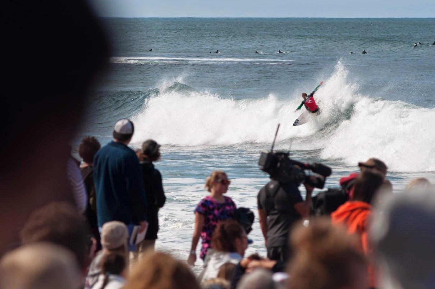 rip curl pro, rip curl, torquay, bells beach, bells, make it ring, 2014, tim macauley, surf, waves, australia, crowds, abstract, blocking, shredding, dissolve series, dissolve