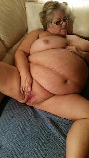Casual Bottomless Girls - sexygirl-617b-gilfChuckie-743136.jpg