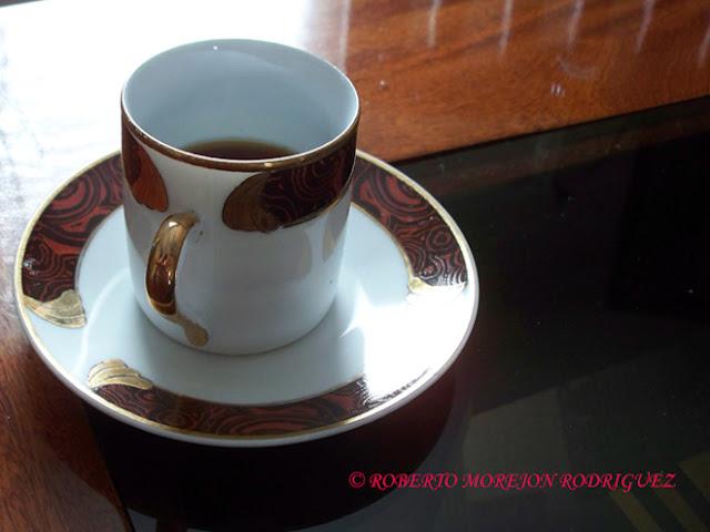 Una taza con  un buen café cubano en La Habana, Cuba