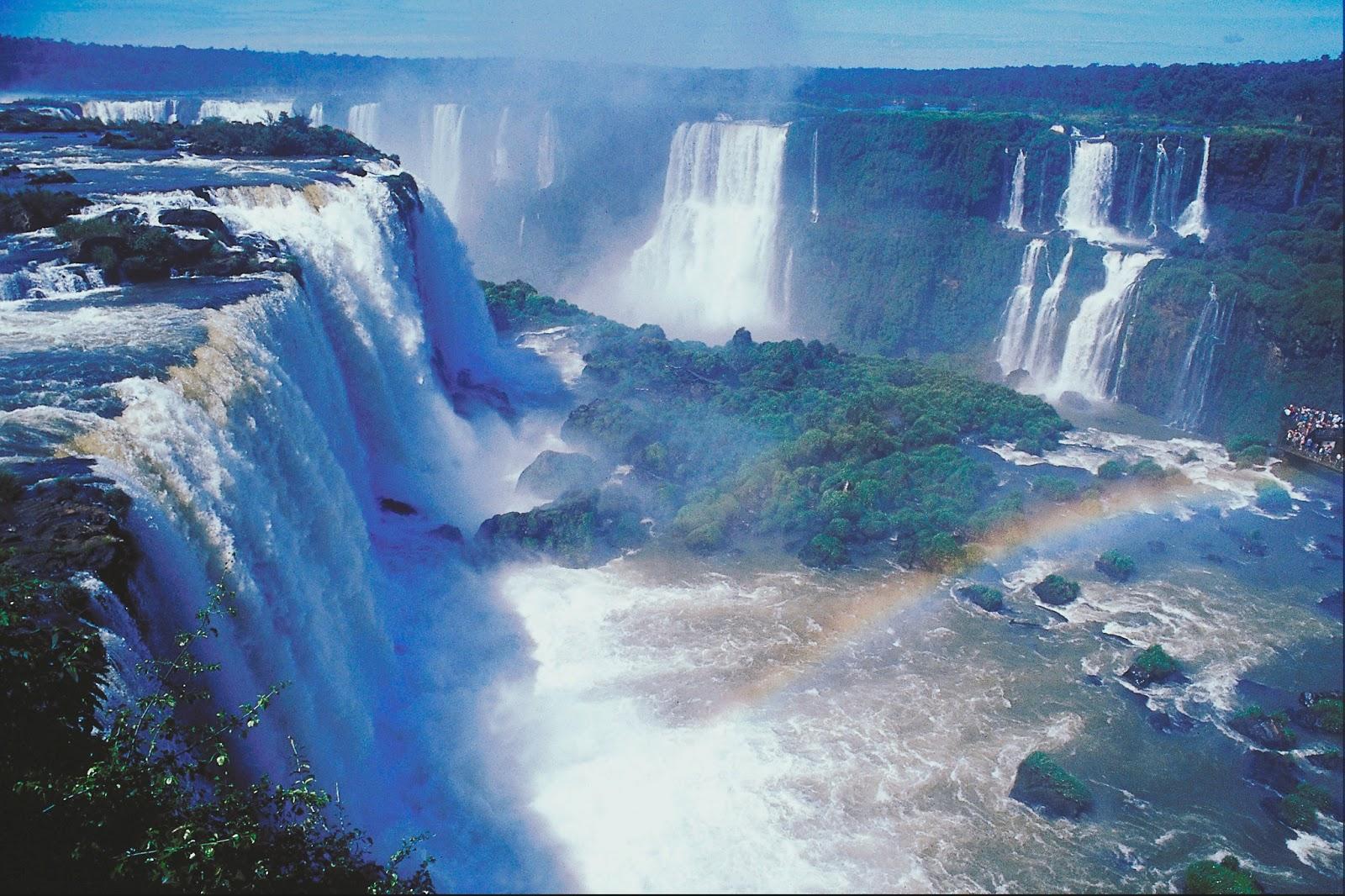 http://1.bp.blogspot.com/-uI6JMg5wrUY/UQYzKDGQLPI/AAAAAAAAA-U/kFHPkn_S1z8/s1600/Vodopady+Iguasu,+Brazilija+Iguazu+Falls,+Brazil+krasivye+vodopady,+skazochnye+mesta++best+hd+wallpapers25.jpg