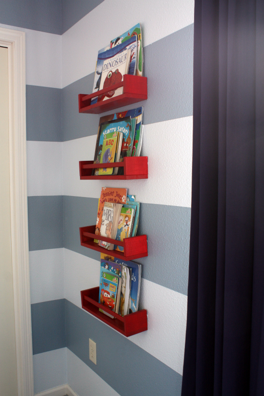 Ikea Schreibtisch Fuer Kinder ~ Have you heard of using spice racks for books?