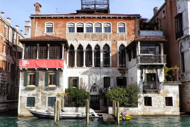 Palazzo Falier Canossa, Venice