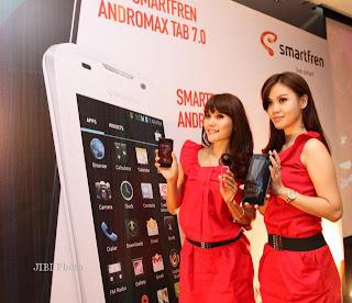 Setelah suskes besar dengan Smartfren Andromax, smartften rupanya berinisiatif menghadirkan penerusnya yaitu Smartfren Andromax-i adalah sebuah Ponsel Smartfren AndroMax I adalah sebuah ponsel Dual SIM GSM-CDMA dimana untuk slot SIM CDMA sudah mendukung jaringan EVDO Rev. A sehingga bisa berselancar didunia maya dengan lebih cepat. Tidak hanya bisa aktif satu SIM saja, namun jaringan GSM dan CDMA bisa aktif secara bersamaan. Smartfren Andromax-i menggunakan sistem operasi Android 4.0 Ice Cream Sandwich.