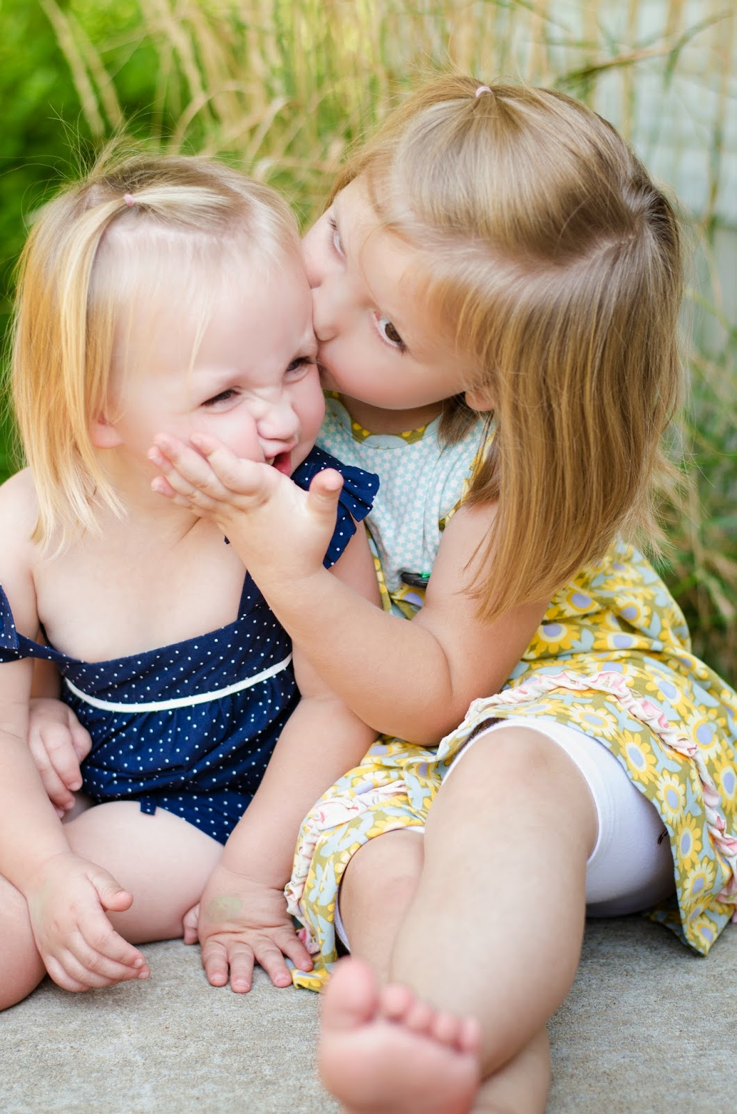 """7 icdn.ru girls.com lovefun """"A sister is a little bit of childhood that will never be lost."""""""