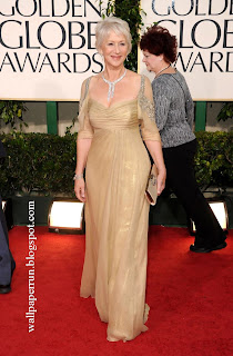 Helen Mirren ruled the Globes red carpet in a Badgley Mischka