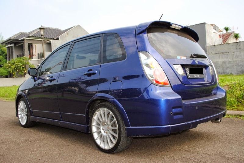 Modifikasi mobil Suzuki Aerio AT Biru