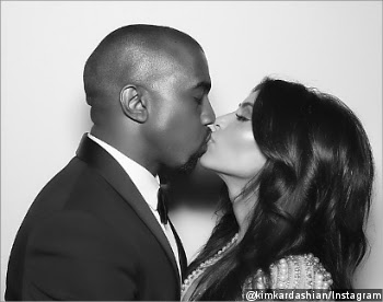 Foto Kim Kardashian Berciuman Dengan Kanye West