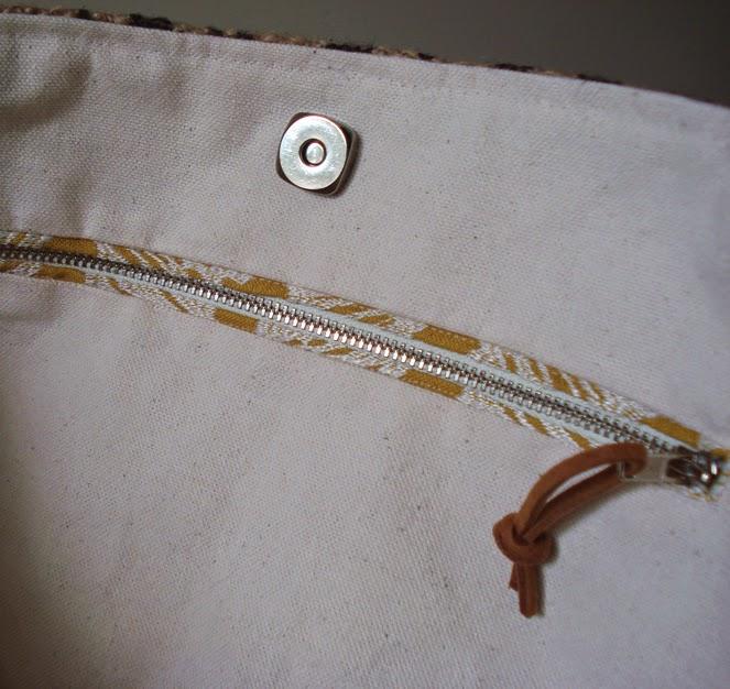 Buenos Aires bag - linaandvi.blogspot.com - plymouth MI - zipper