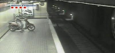 roba moto metro barcelona