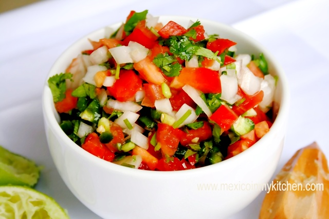 ... Pico de Gallo) / Cómo Hacer Salsa Pico de Gallo |Authentic Mexican