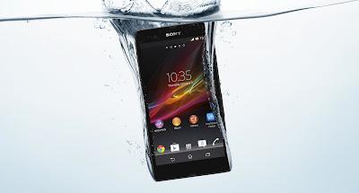 """Sony Xperia Z : """"Waterproof"""" at it best"""