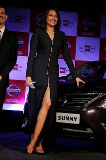 Sonakshi Sinha in Spicy Leg Split Front Chain Gown at Biggest Media Event Launch Spicy Pics