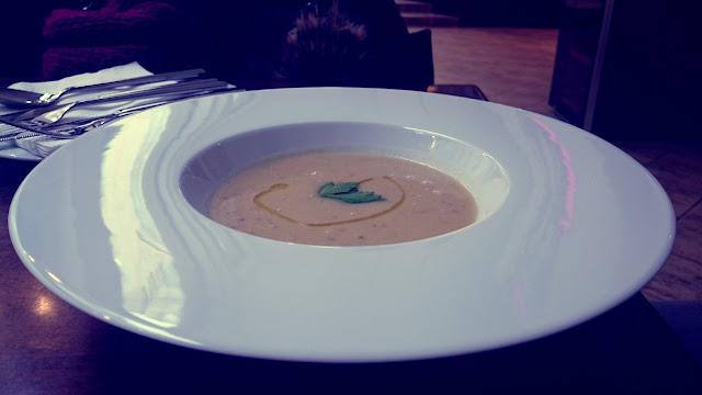 Cizrnová polévka v La Fufu