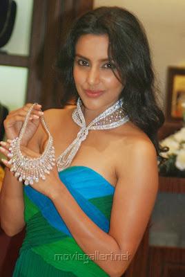 Priya Anand Hot