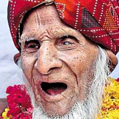 Teraka randriantsoa l 39 homme le plus vieux du monde d c de - L homme qui lit le plus vite au monde ...